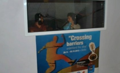 "Das Radioprojekt ""Crossing barriers-understand the other"""
